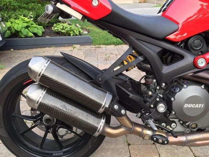 2012 Ducati Monster EVO 1100