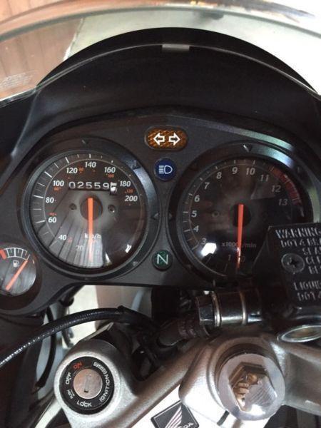 $1000 low KM HONDA CBR125R moving sale