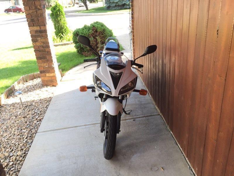 Low KM Honda CBR125R moving sale