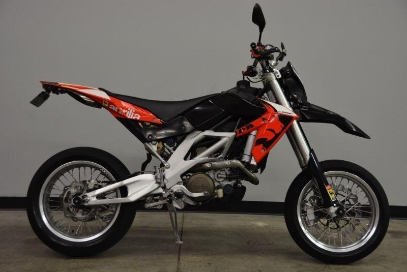 aprilia sxv 550 for sale brick7 motorcycle. Black Bedroom Furniture Sets. Home Design Ideas