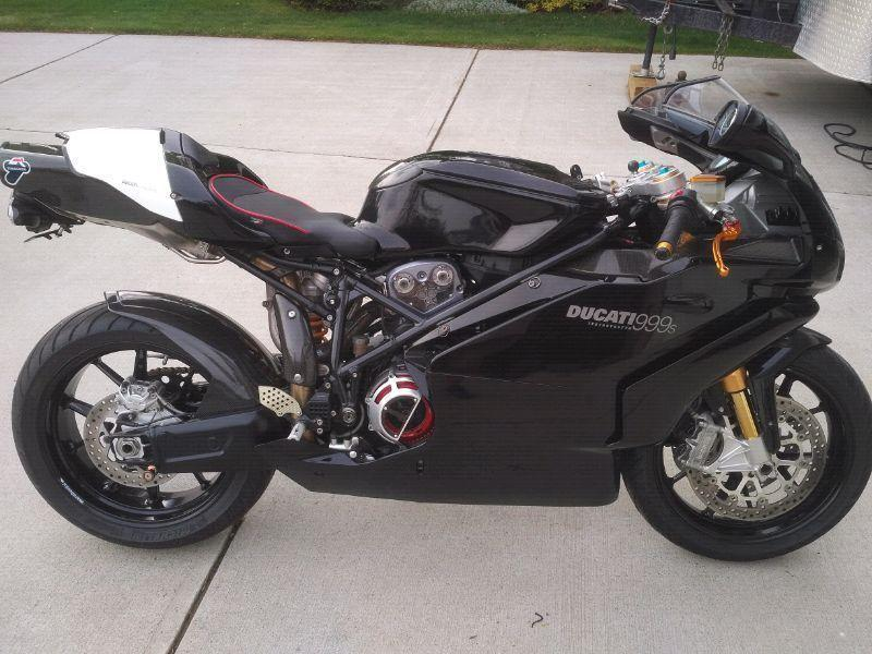 Ducati 999S -immaculate bike MUST SELL