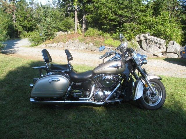 2002 Kawasaki Vulcan Nomad 1500fi loaded. (+ trunk)