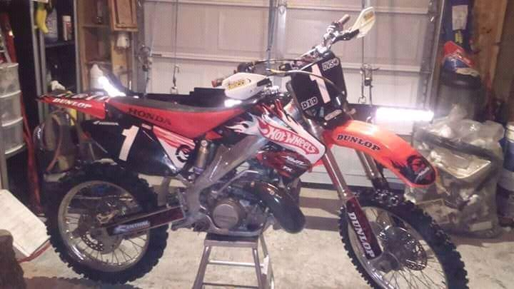 Cr250 very clean bike almost brand new!!!