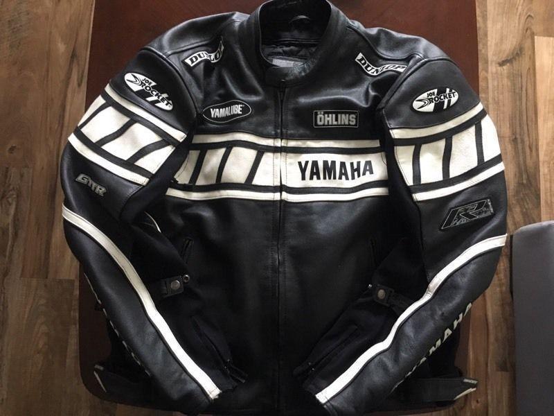 Yamaha r1 leather jacket brick7 motorcycle for Yamaha r1 motorcycle jackets