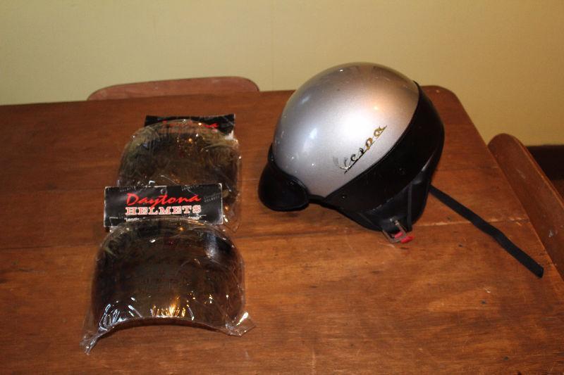 Vespa Silver helmet & 2 x NEW Daytona Helmet Flip Up Visors