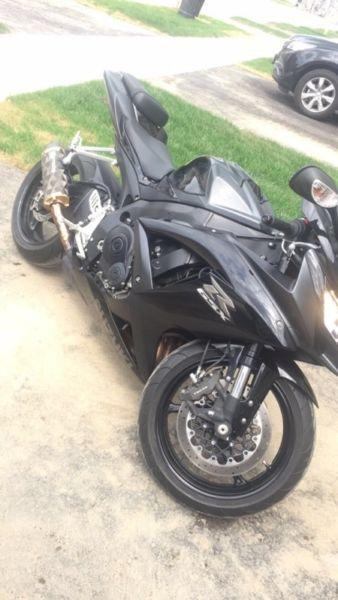 Blacked out Gsxr 750 2008 ONLY 15,250 km's