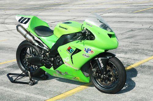 KAWASAKI RACE BIKE ... ZX10 SUPERBIKE