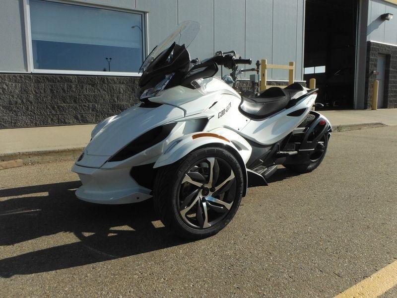 2014 Can-Am Spyder ST-S SE5