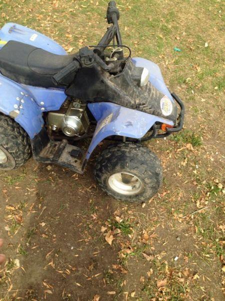 2 mini 50cc quads